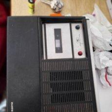 Radios antiguas: CASSET Y TOCADISCOS. Lote 297059518