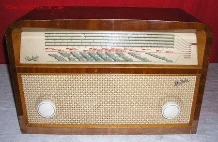 RADIO RADIOLA FUNCIONANDO (Radios, Gramófonos, Grabadoras y Otros - Radios de Válvulas)