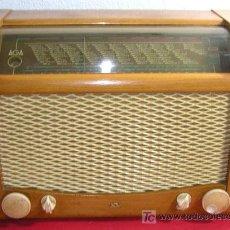 Radios de válvulas: RADIO AGA CON CAJA ORIGINAL. Lote 12508980