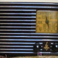Radios de válvulas: ANTIGUA RADIO DE BAQUELITA MARCA EMERSON MODEL AX - 211. Lote 20104810