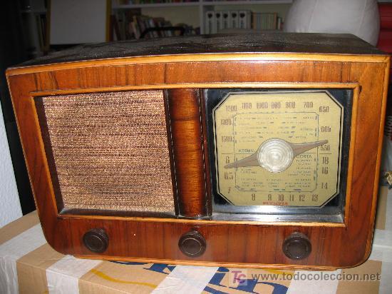 PRECIOSA Y ANTIGUA RADIO OLYMPIA (Radios, Gramófonos, Grabadoras y Otros - Radios de Válvulas)