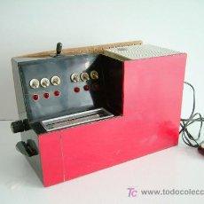 Radios de válvulas: RADIO MUY CURIOSA Y ORIGINAL, FUNCIONANDO. Lote 26049451