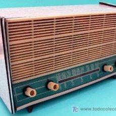 Radios de válvulas: RADIO DE LOS AÑOS 50 CON CAJA DE FORMÍCA - MARCAS DE FABRICA EN LA TRASERA. Lote 26971038