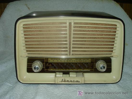 RADIO IBERIA MOD. D-132 NO FUNCIONA (Radios, Gramófonos, Grabadoras y Otros - Radios de Válvulas)