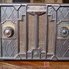Radios de válvulas: ANTIGUA RADIO DE COLECCION AMERICANA MARCA DETROLA (JUNIOR). Lote 27247008