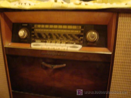 MAGNIFICA RADIO MUEBLE, DECORACION (Radios, Gramófonos, Grabadoras y Otros - Radios de Válvulas)