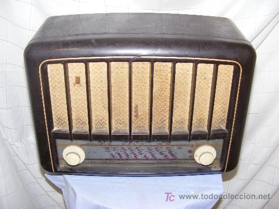 RADIO MARCA ARISTONA (Radios, Gramófonos, Grabadoras y Otros - Radios de Válvulas)
