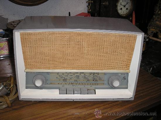 RADIO SABA MODELO SABINE 11 DE 1955- FUNCIONA -220V (Radios, Gramófonos, Grabadoras y Otros - Radios de Válvulas)