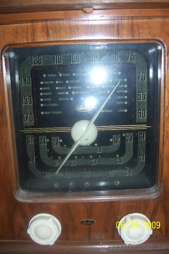 Radios de válvulas: Mueble radio marca Inter con tocadiscos. Años 40. - Foto 3 - 27163739