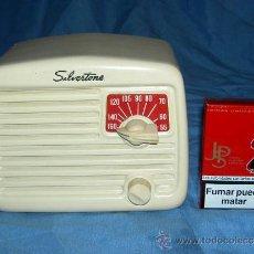 Radios de válvulas: PEQUEÑA RADIO AMERICANA SILVERTONE. Lote 184582145