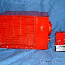 Radios de válvulas: PEQUEÑA RADIO AMERICANA CROSLEY. Lote 26313511