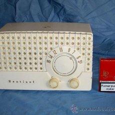 Radios de válvulas: PEQUEÑA RADIO AMERICANA SENTINEL. Lote 26313517
