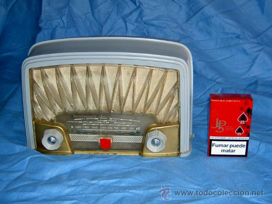 PEQUEÑA RADIO FRANCESA RADIOLA (Radios, Gramófonos, Grabadoras y Otros - Radios de Válvulas)