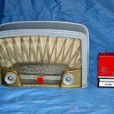 Radios de válvulas: PEQUEÑA RADIO FRANCESA RADIOLA. Lote 26313518