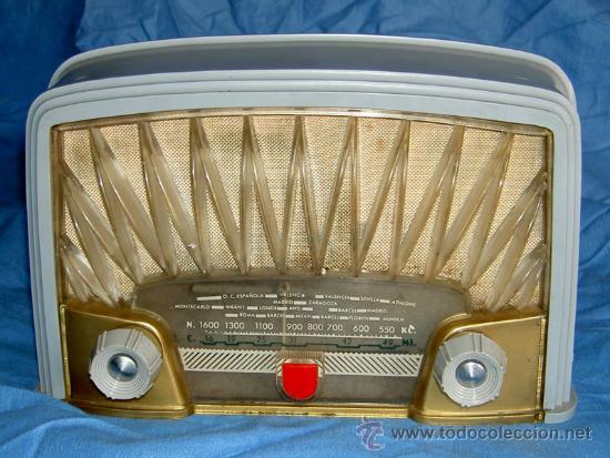 Radios de válvulas: PEQUEÑA RADIO FRANCESA RADIOLA - Foto 2 - 26313518