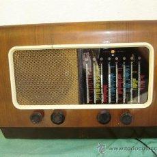 Radios de válvulas: RADIO DE VALVULA CAMBRIDGE-USA. Lote 15884877