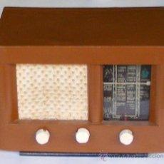 Radios de válvulas: RADIO DE VALVULAS, FUNCIONA. Lote 18623111