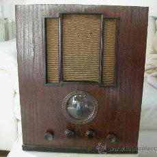 Radios de válvulas: ANTIGUA RADIO DE VALVULAS AÑOS 30 MARCA R.C.A ( RADIO IRUN). Lote 26962625