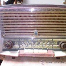 Radios de válvulas: RADIO DE VALVULAS - MARCA RADIOLA . FUNCIONA. Lote 26283778