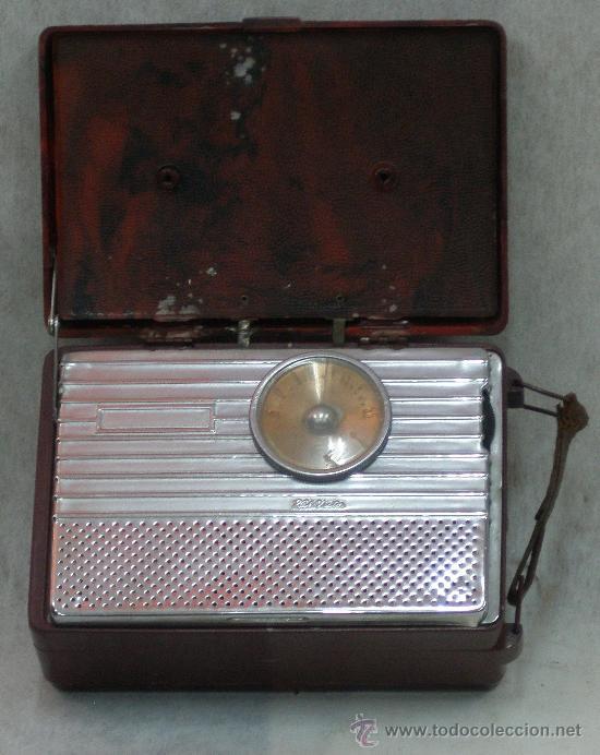 RADIO PORTATIL AÑO 1946 - RCA VICTOR - LA VOZ DE SU AMO - HIS MASTER'S VOICE. VER FOTOS Y VIDEO (Radios, Gramófonos, Grabadoras y Otros - Radios de Válvulas)