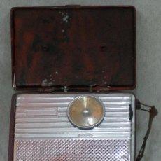 Radios à lampes: RADIO PORTATIL AÑO 1946 - RCA VICTOR - LA VOZ DE SU AMO - HIS MASTER'S VOICE. VER FOTOS Y VIDEO. Lote 26913925