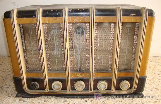 Radios de válvulas: INTERESANTE Y RARA RADIO ESTRELLA AZUL EN MADERA UNICA EN TODOCOLECCION - Foto 3 - 26439317