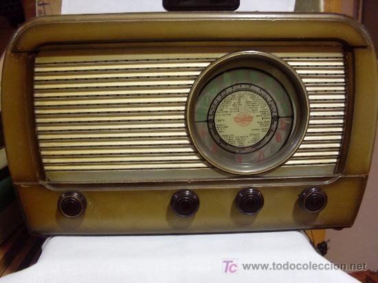 ANTIGUA RADIO MARCA BERTRAN SERIE VICTORIA (Radios, Gramófonos, Grabadoras y Otros - Radios de Válvulas)