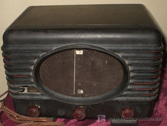 RADIO MUY ANTIGUA DE BAQUELITA DE 1939 RADIALVA SUPER GROOM 41 (Radios, Gramófonos, Grabadoras y Otros - Radios de Válvulas)