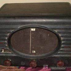 Radios de válvulas: RADIO MUY ANTIGUA DE BAQUELITA DE 1939 RADIALVA SUPER GROOM 41. Lote 27550495
