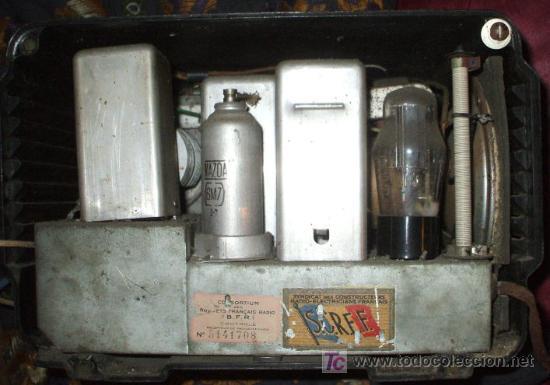 Radios de válvulas: RADIO MUY ANTIGUA DE BAQUELITA DE 1939 RADIALVA SUPER GROOM 41 - Foto 3 - 27550495