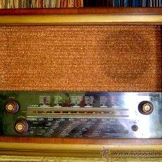 Radios de válvulas: RADIO ANTIGUA, FABRICACION ESPAÑOLA, MED. 41 X 59 X 25 CM.. Lote 27276654