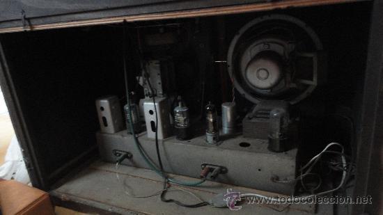 Radios de válvulas: Radio-toca discos - Foto 4 - 24536195