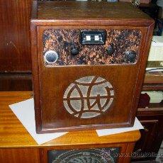 Radios de válvulas: RADIO FUNCIONANDO. Lote 26258558