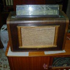 Radios de válvulas: RADIO PHILIPS FUNCIONANDO. Lote 26504011
