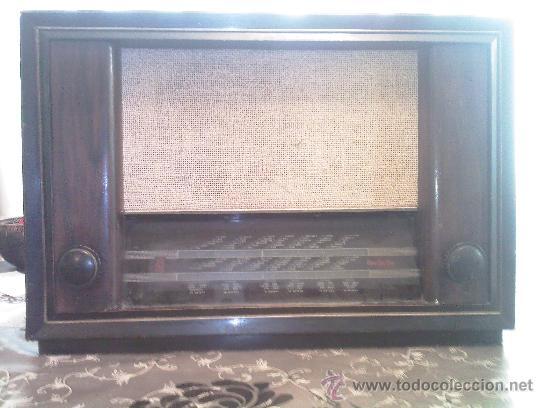 RADIO INVICTA MODELO 482 - FUNCIONANDO A 125 V. (Radios, Gramófonos, Grabadoras y Otros - Radios de Válvulas)