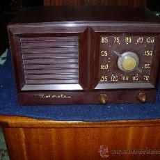 Radios de válvulas: RADIO MOTOROLA FUNCIONANDO. Lote 27125502