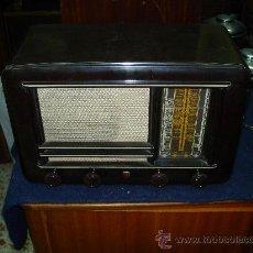 Radios de válvulas: RADIO PHILIPS FUNCIONANDO. Lote 26279412