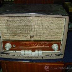 Radios de válvulas: RADIO PHILIPS FUNCIONANDO. Lote 26460113