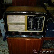 Radios de válvulas: RADIO INVICTA FUNCIONANDO. Lote 26778629