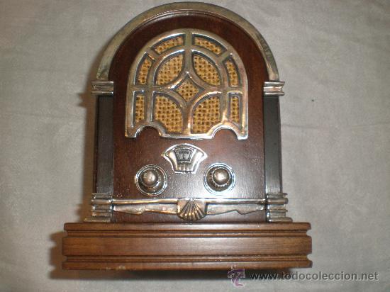 RADIO CON APLICACIONES EN PLATA (Radios, Gramófonos, Grabadoras y Otros - Radios de Válvulas)