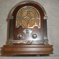 Radios de válvulas: RADIO CON APLICACIONES EN PLATA. Lote 26666844