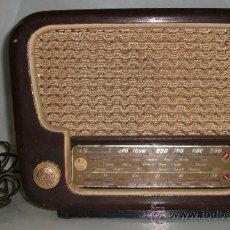 Radios de válvulas: ANTIGUA RADIO OPTIMUS MOD. 500 DEL AÑO 1956. Lote 28503046