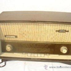 Radios de válvulas: RADIO DE VALVULA DE MADERA SCHAUB LORENZ. Lote 30229442