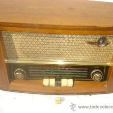 Radios de válvulas: RADIO DE VALVULA DE MADERA BUSH. Lote 30229495