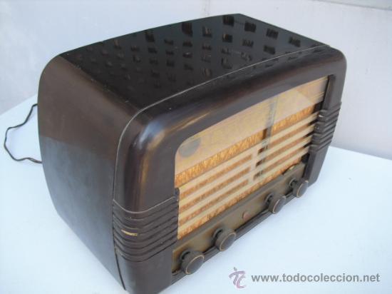 Radios de válvulas: DE REPUTADO PRESTIGIO EN CUANTO A SONIDO , RADIO A VALVULAS PHILIPS MULTIBANDA - BAQUELITA - - Foto 2 - 30442198