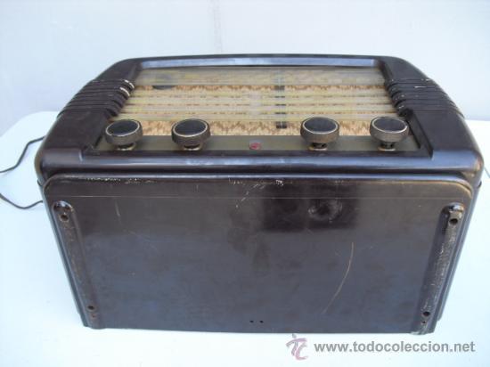 Radios de válvulas: DE REPUTADO PRESTIGIO EN CUANTO A SONIDO , RADIO A VALVULAS PHILIPS MULTIBANDA - BAQUELITA - - Foto 3 - 30442198