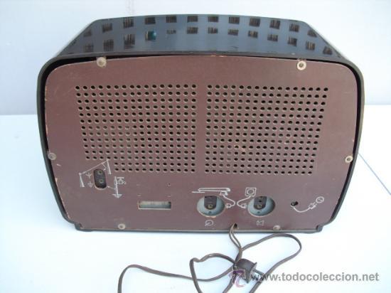 Radios de válvulas: DE REPUTADO PRESTIGIO EN CUANTO A SONIDO , RADIO A VALVULAS PHILIPS MULTIBANDA - BAQUELITA - - Foto 4 - 30442198