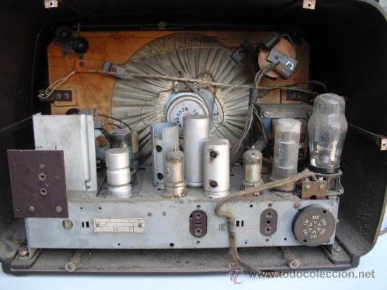 Radios de válvulas: DE REPUTADO PRESTIGIO EN CUANTO A SONIDO , RADIO A VALVULAS PHILIPS MULTIBANDA - BAQUELITA - - Foto 5 - 30442198