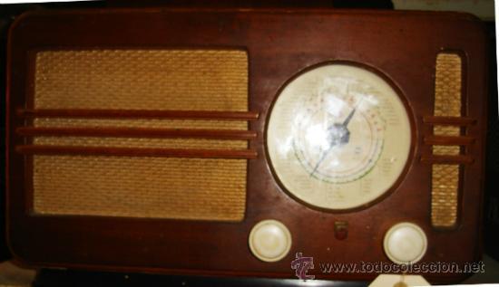 RADIO PHILIPS BE - 382 - A. CAJA DE MADERA. FUNCIONA. FALTA ANTENA (Radios, Gramófonos, Grabadoras y Otros - Radios de Válvulas)