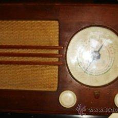 Radios de válvulas: RADIO PHILIPS BE - 382 - A. CAJA DE MADERA. FUNCIONA. FALTA ANTENA. Lote 31251200
